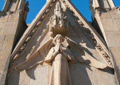 Detall escultòric del panteó