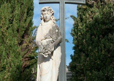Estatua d'entrada del recinte