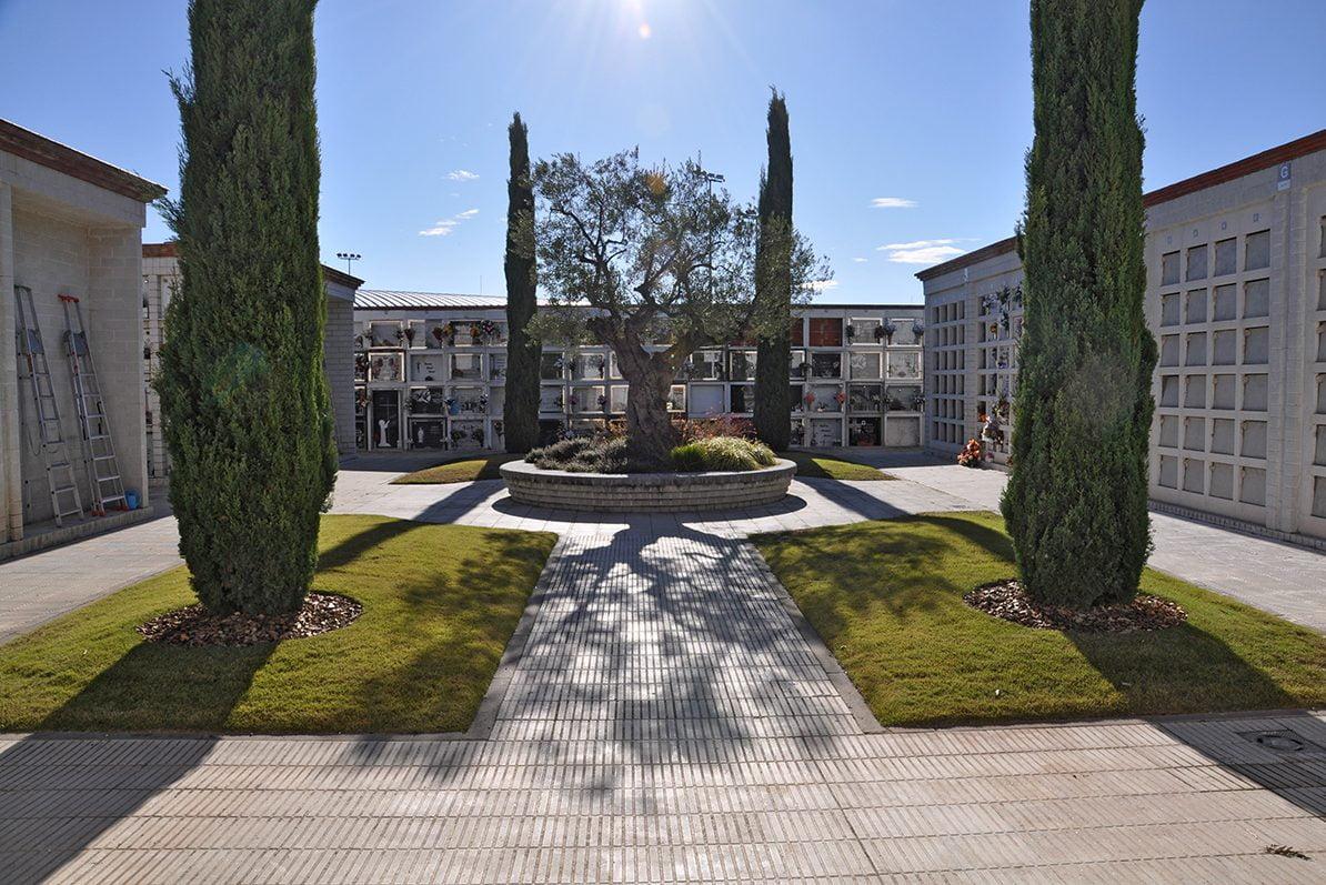 Cementiri de Malgrat, plaça