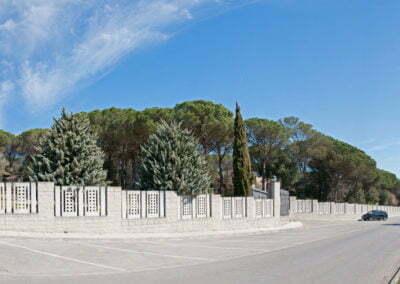 Façana del cementiri