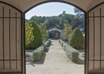 Porta oberta de la Capella