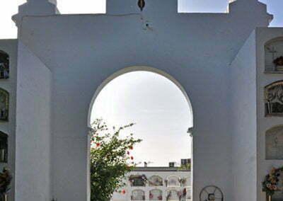 Porta est