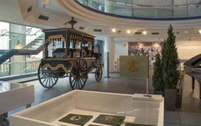 """Obre a Mataró l'exposició """"100 anys de serveis funeraris"""" de la mà de Cabré Junqueras"""