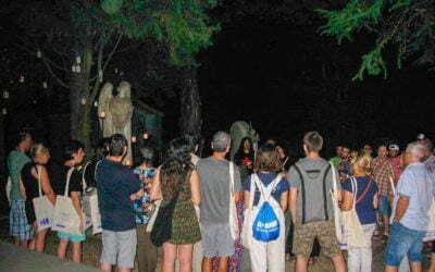 Èxit de la visita nocturna teatralitzada al cementiri municipal de Terrassa