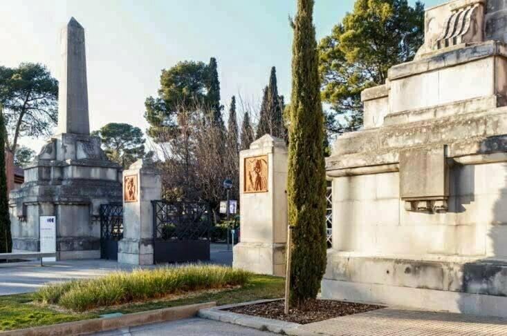 El cementiri municipal de Terrassa acull dues visites guiades al voltant de l'exposició «Després de la mort»